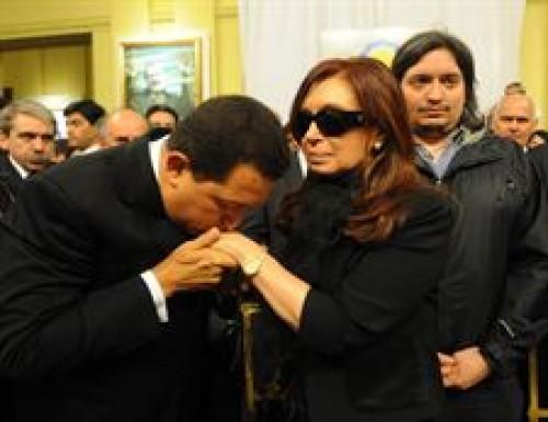 Hugo Chávez despide a un amigo