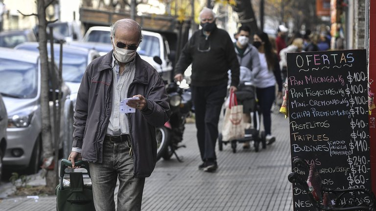 Cuánto hay que ganar para ser de clase media en la Ciudad de Buenos Aires: por primera vez el monto alcanzó las seis cifras