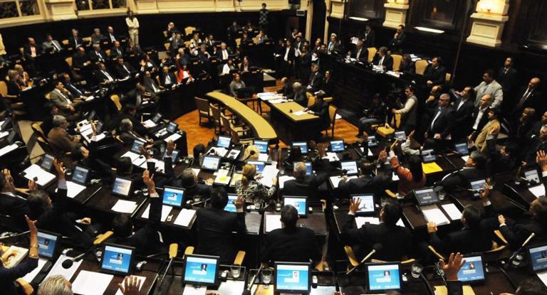 Con apoyo de Vidal avanza Ley de alquileres