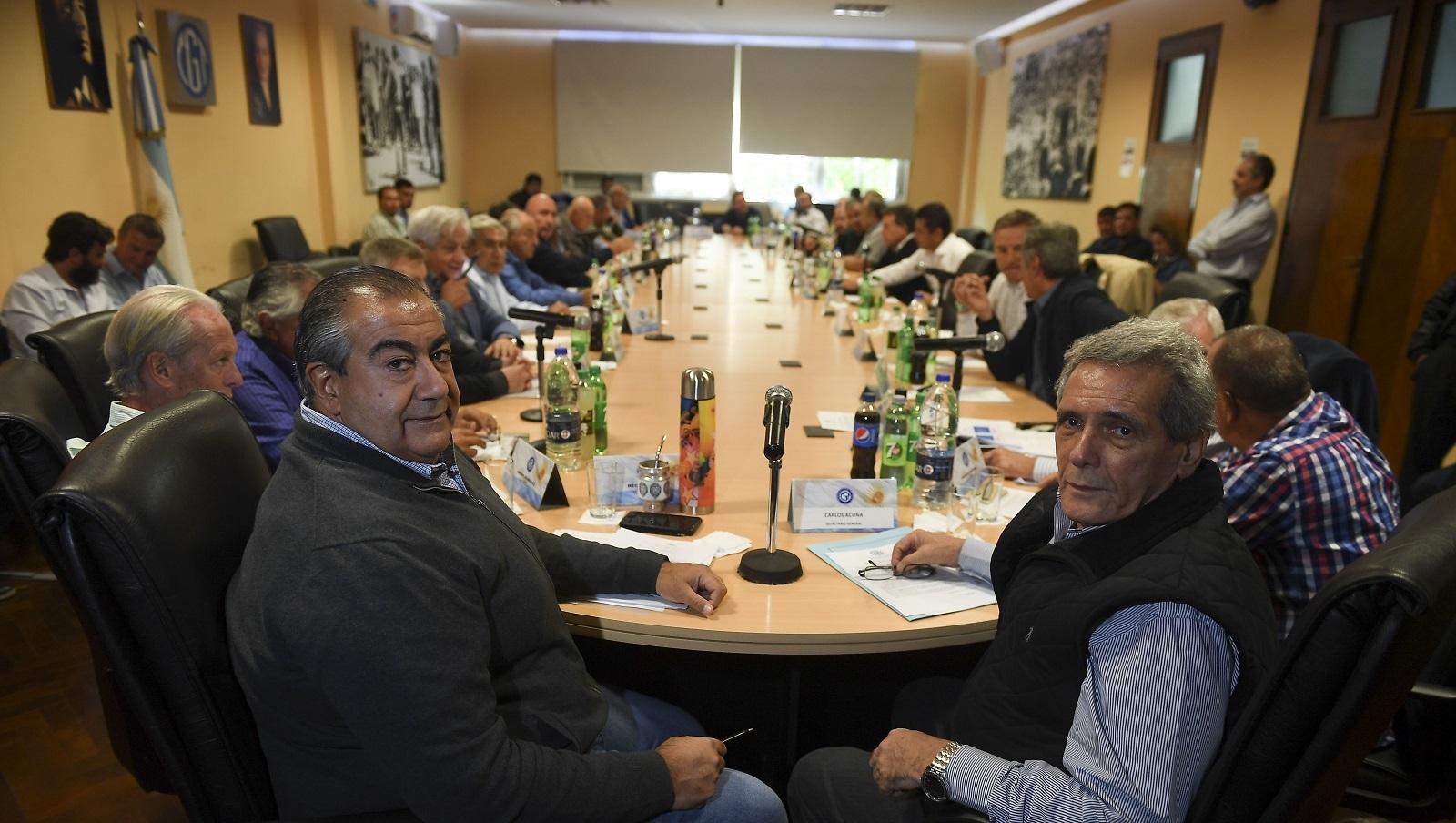Organizaciones sociales y empresarios le piden a Macri que declare la emergencia alimentaria