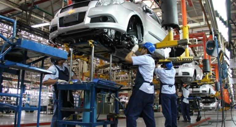La industria se hundió 8,1%