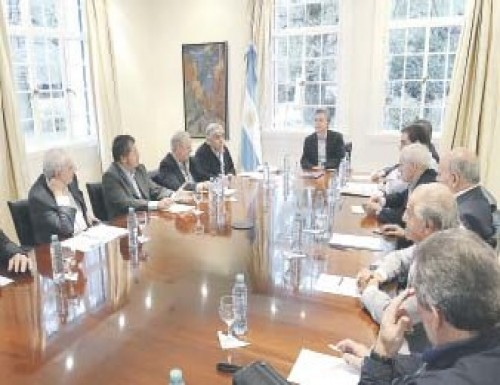 LA UIA Y LA SOCIEDAD RURAL A FAVOR DE LA CONVOCATORIA PARA NO DESPEDIR TRABAJADORES