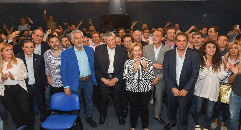 Gioja presentó recursos de queja por la maniobra de Barrionuevo