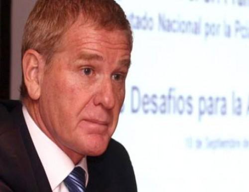 De Narváez no lo ve a Scioli sin Kirchner
