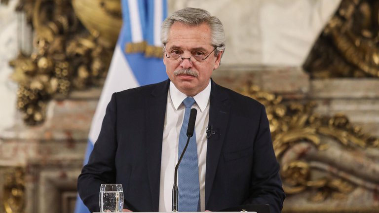 Según Poliarquía solo el 38% aprueba la gestión de Fernández para frenar el COVID