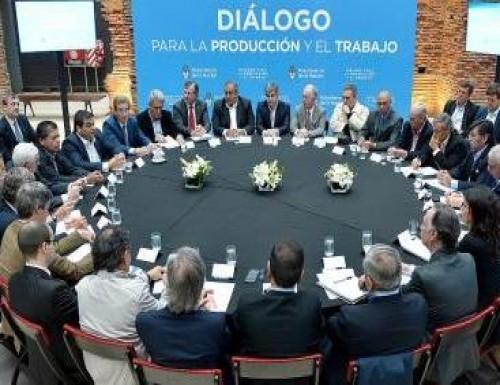 Cumbre en la Rosada: Gobierno, CGT y empresarios