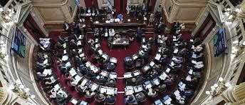 La oposición consiguió dictamen en contra del DNU de extinción de dominio