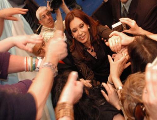 Cristina con más votos que en el 2011
