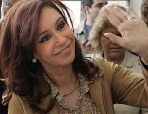 Según la consultora Equis, Cristina ganaría con el 44 por ciento
