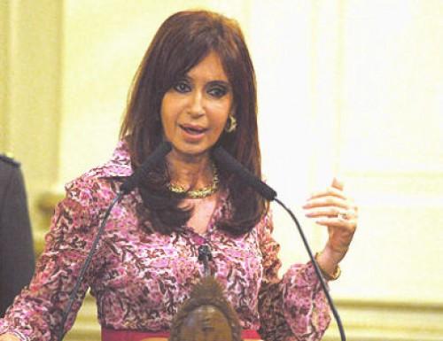 La intención de voto de Cristina  supera  a Macri.en capital