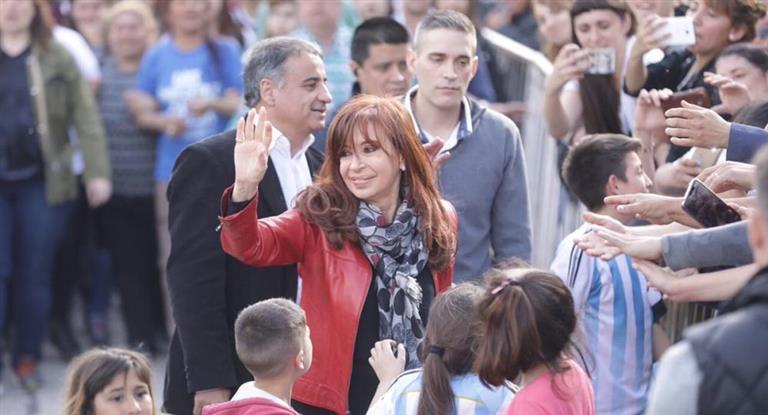 Cristina acusó al Gobierno de