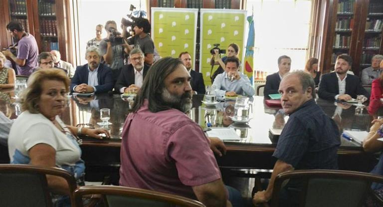 Provincia convocó a gremios docentes a una nueva reunión paritaria