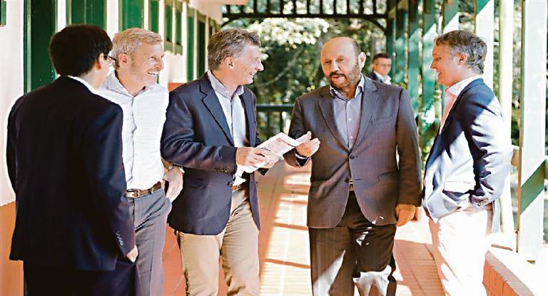 Macri desplegó ayer en Iguazú una ronda de encuentros con gobernadores