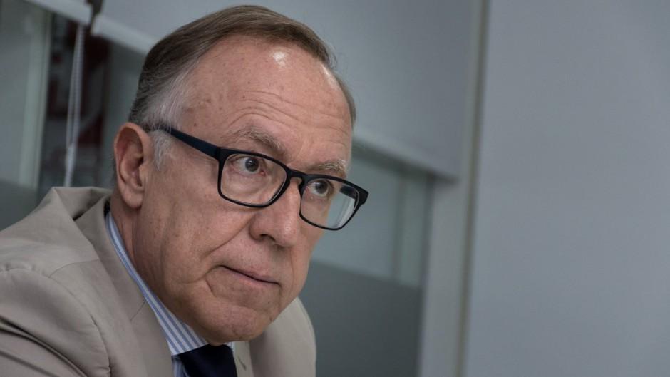 Nielsen trata de sumar economistas para que colaboren con Alberto