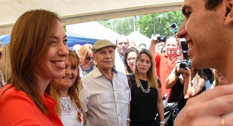 Vidal les impide a los intendentes cobrar cargos en las facturas de luz