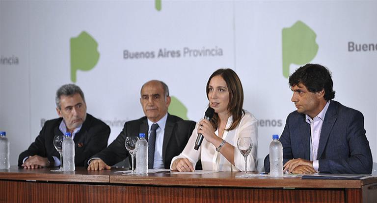 Vidal junto a sus funcionarios y repasó gestión